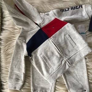 NWT Tommy jogging suit